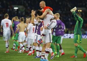 Supporters pendant Pays Bas v Denmark - UEFA EURO 2012 Groupe B