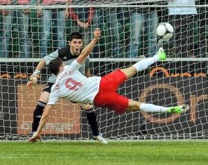 Lewandowski marque un but incroyable