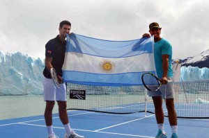 Djokovic et Nadal en exhibition sur un glacier